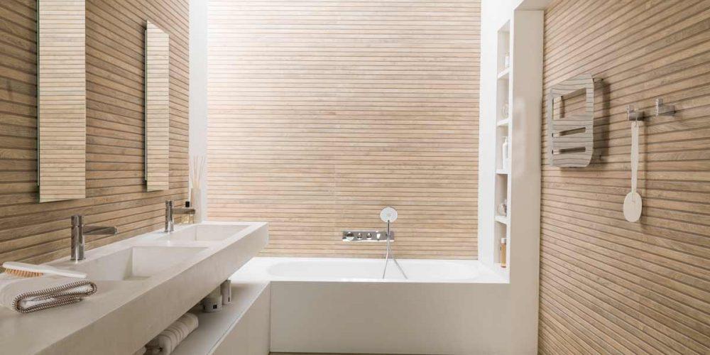 Satariano-Bathroom-Porcelanosa-Modern-beige-design-with-white-elements
