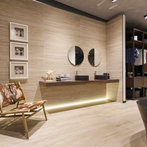 Satariano-Floor-and-Wall-Porcelanosa-Modern-large-feature-wall-beige-with-lighting