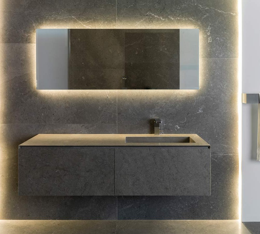 Satariano-Bathroom-L-Antic-Colonial-Classic-design-built-in-sink-with-a-rectangular-mirror