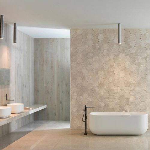 Satariano-Bathroom-L-Antic-Colonial-Classic-design-oval-bath-standing-infront-of-a-feature-wall