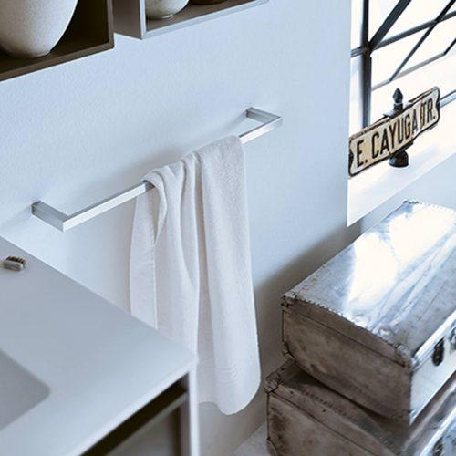 Satariano-Bathrooms-Inda-Contemporary-Towel-Rail