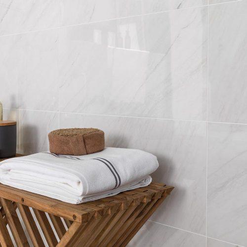 Satariano-Bathrooms-Urbatek-Classic-high-gloss-tiling