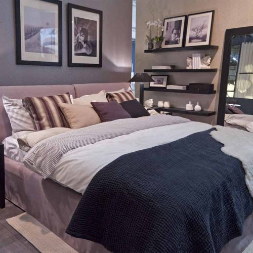 Satariano-Bedrooms-Classic-Furinova-padded-bed