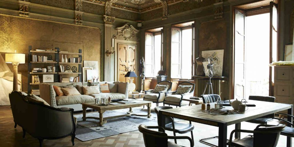 Satariano-Dialma-Brown-Bedroom-classic-design-sitting-and-work-space
