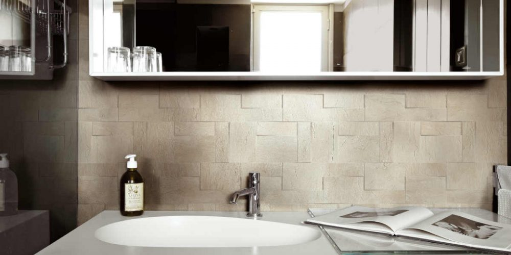 Satariano Floors and Walls Rex Classic Bathroom beige squares wall