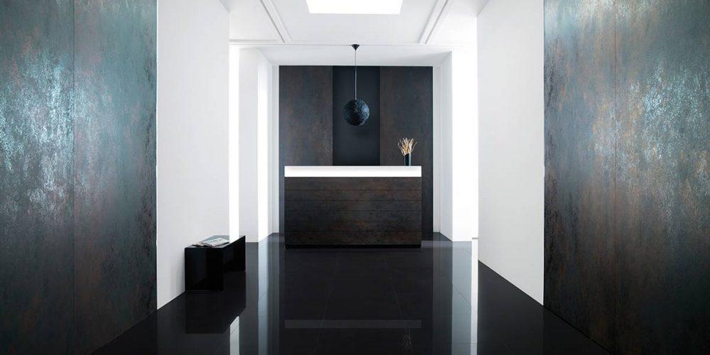 Satariano-Floors-and-Walls-Urbatek-Modern-high-gloss-floor-and-featured-matte-walls