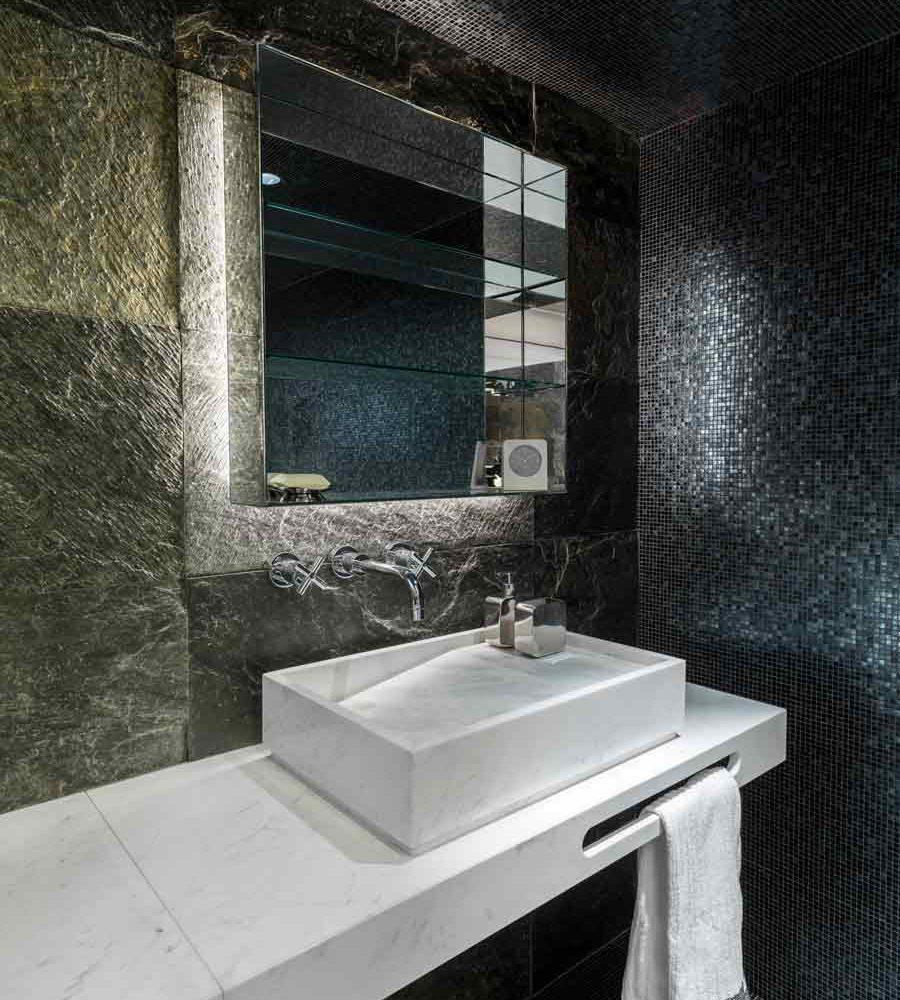 Satariano-L-Antic-Colonial-Bathroom-Contemporary-multiple-feature-walls