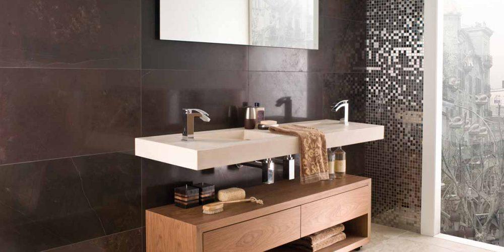 Satariano-L-Antic-Colonial-Bathroom-Modern-horizontal-walls-brown-tiling