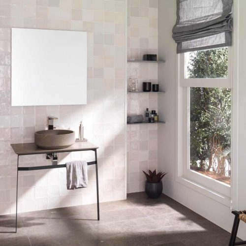 Satariano-L-Antic-Colonial-Bathroom-Modern-stone-circular-sink