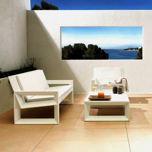 category-classic-monochrom-outdoor-and-spa-porcelanosa-outdoor-white-sofa-and-modern-tiling