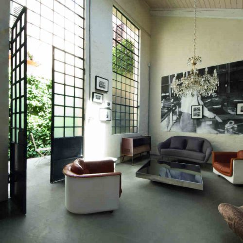 Satariano Floors and Walls Casa Dolce Casa Modern grey floor and featured wall