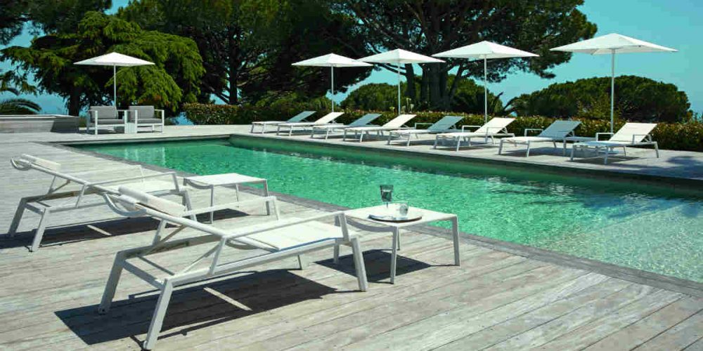 Satariano Outdoor and Spa Diphano sunbathing furniture poolside